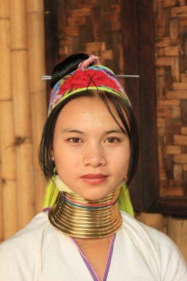 viaje mujeres jirafa tailandia
